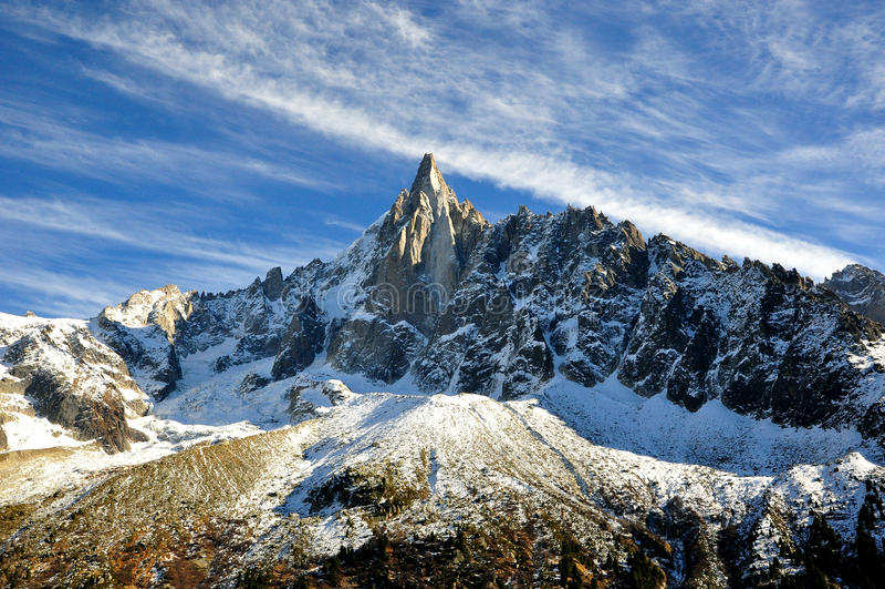 aiguille du Dru在Montblanc断层块,法国阿尔卑斯 免版税库存图片