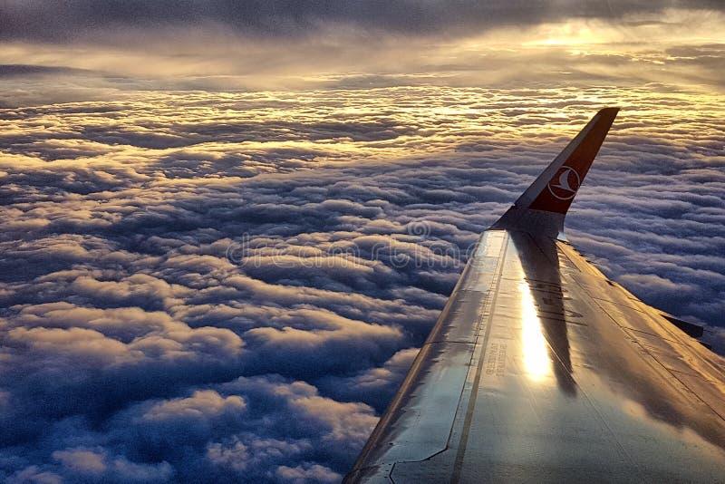 Aile d'un avion photos stock