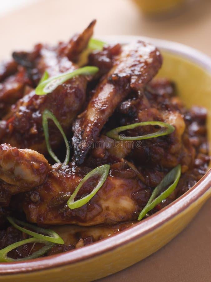 ailes d'ail de /poivron de poulet photos stock