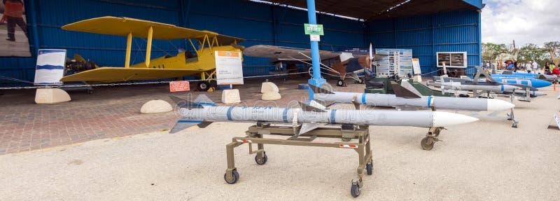 AIM-120 flyttade fram medlet - luft-luft missil för område eller AMRAAM-missilen som visades på det israeliska flygvapenmuseet fotografering för bildbyråer