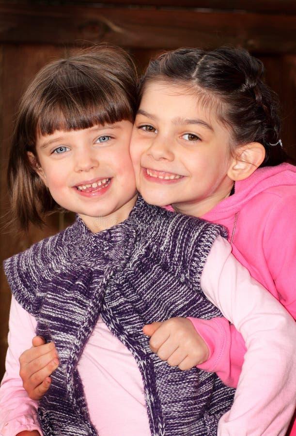 Aimez cette soeur douce. photographie stock libre de droits