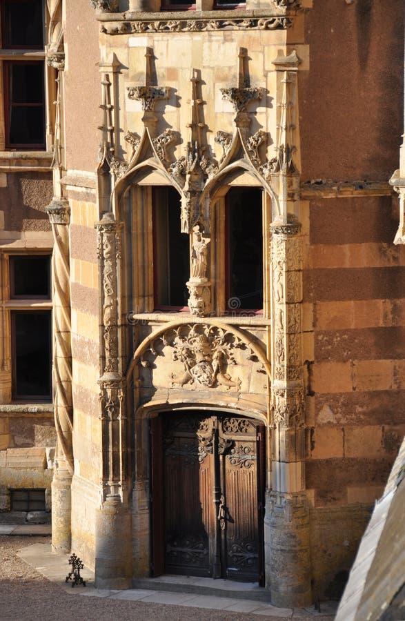 Ainay-le-Vieil castle photos stock