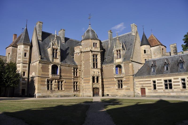 Ainay-le-Vieil chateau photos stock