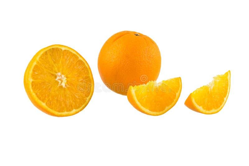 Ainda meio crescente da vida, fruto alaranjado fresco completo no backg branco fotos de stock royalty free