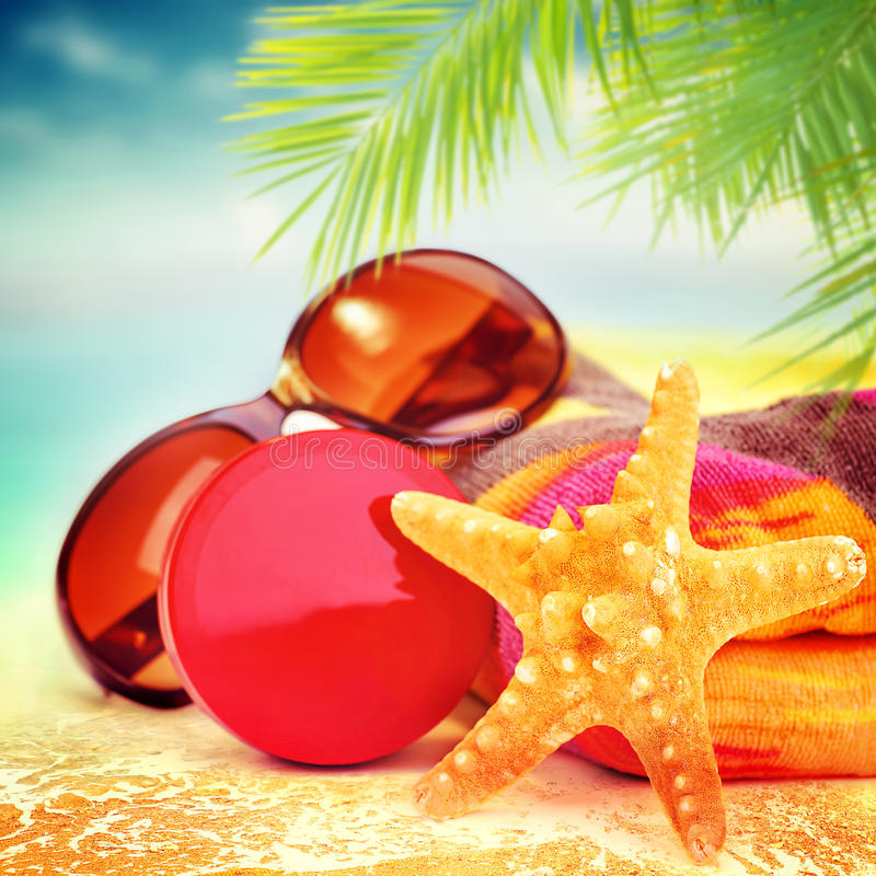 Ainda vida bonita de artigos da praia imagens de stock royalty free