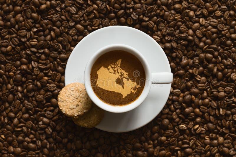 Ainda vida - café com o mapa de Canadá imagem de stock