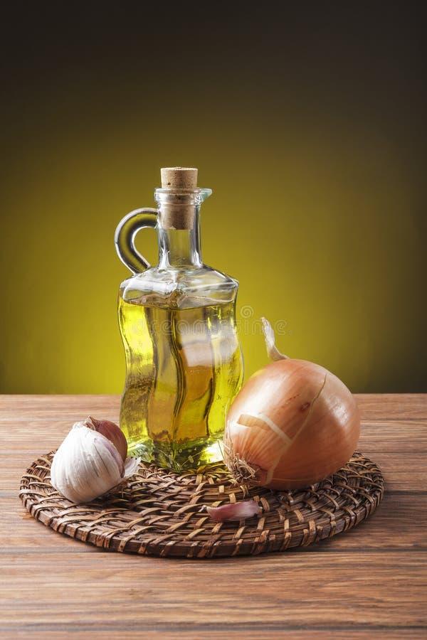Download Ainda Vida Com Ingredientes Essenciais Imagem de Stock - Imagem de comer, garlic: 29845885