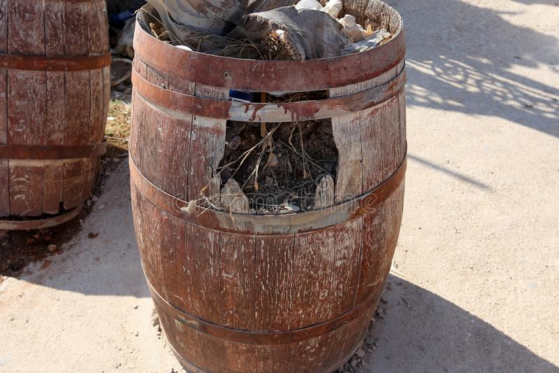 Ainda vida com um tambor da água fotografia de stock royalty free