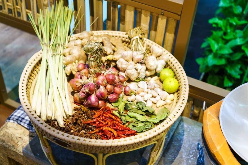 ainda vida dos ingredientes de alimento tailandeses, especiarias com os ingredientes para imagens de stock royalty free