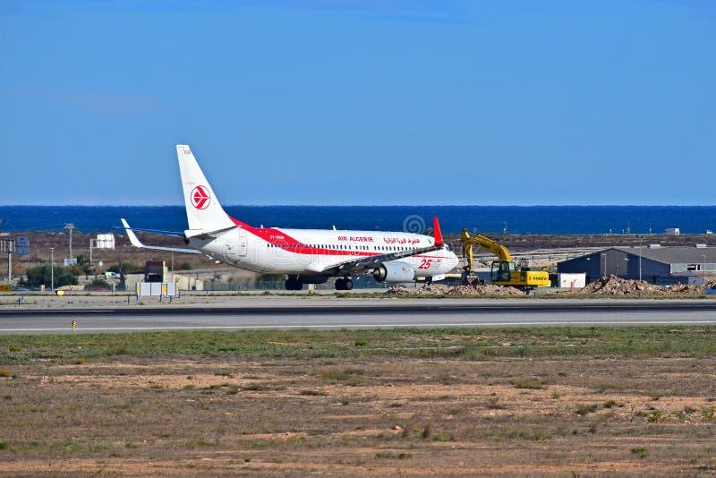 Air Algeria an Alicante-Flughafen lizenzfreie stockfotos