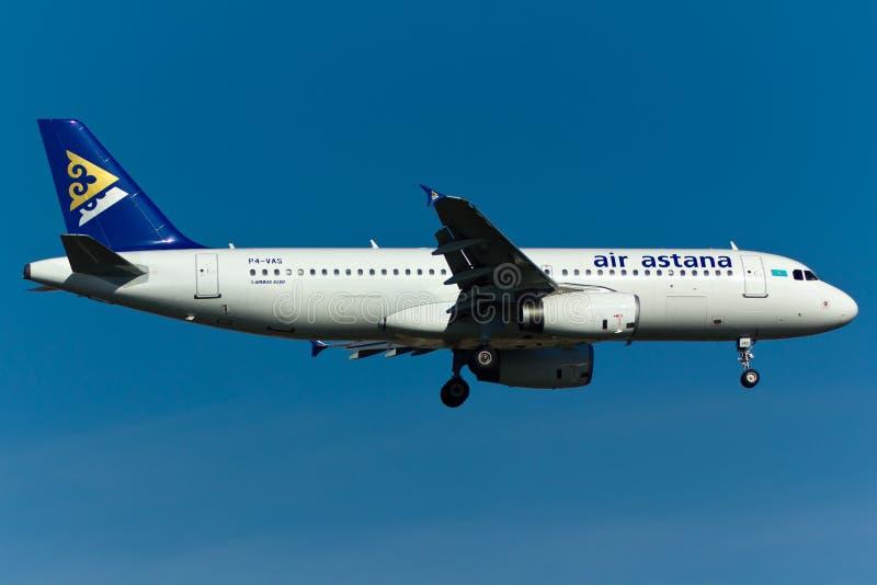 Air Astana-Luchtbusa320 Vliegtuig royalty-vrije stock fotografie