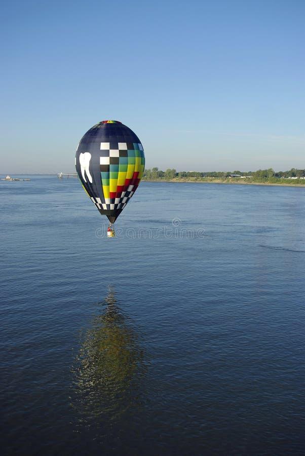 air balloon hot reflection 免版税库存照片