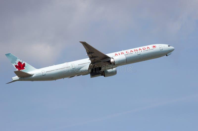 Air Canada Boeing 777 fotografía de archivo