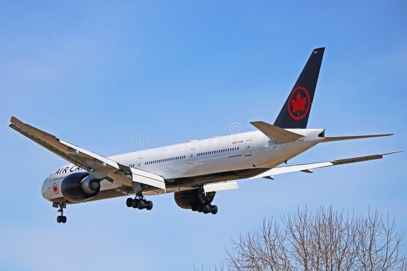 Air Canada Boeing 777-300ER med ny livré arkivfoton
