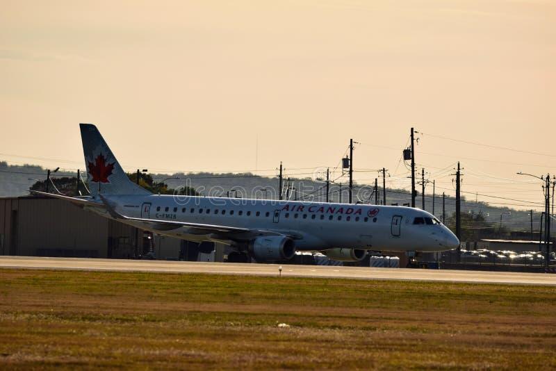 Air Canada-Luchtvaartlijnenvliegtuig op de taximanier royalty-vrije stock fotografie