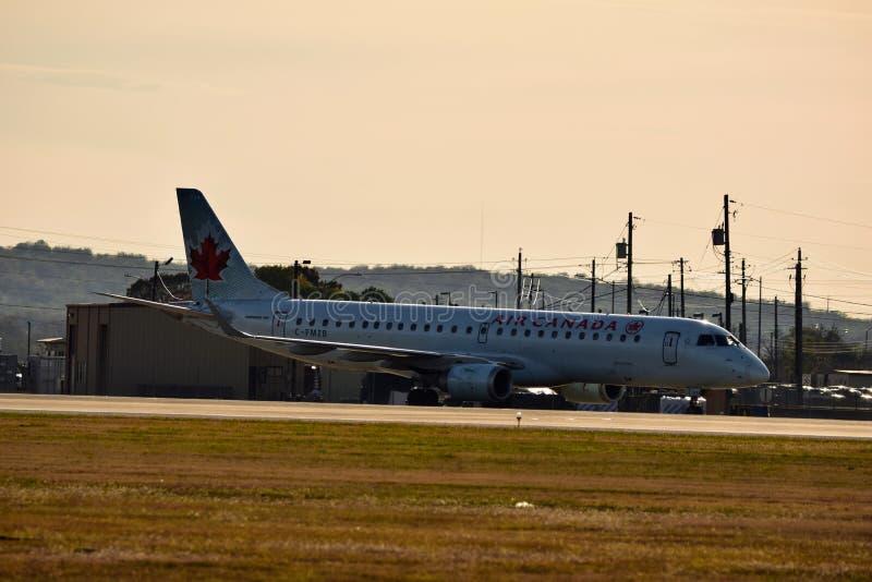 Air Canada-Luchtvaartlijnenvliegtuig op de taximanier royalty-vrije stock foto