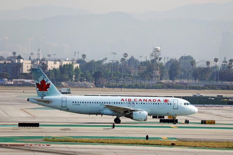 Air Canada-vliegtuig in Los Angeles Airport LAX royalty-vrije stock foto