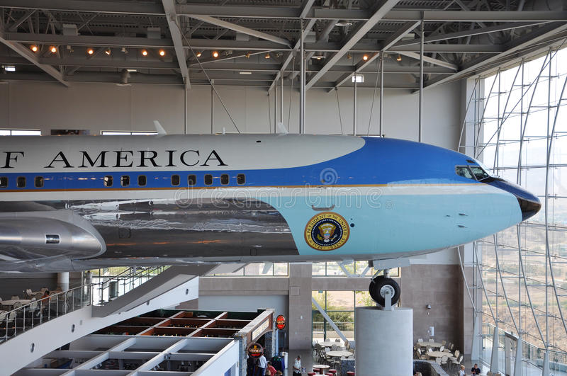 Download Air Force One Boeing 707 editorial photography. Image of fuselage - 20971362