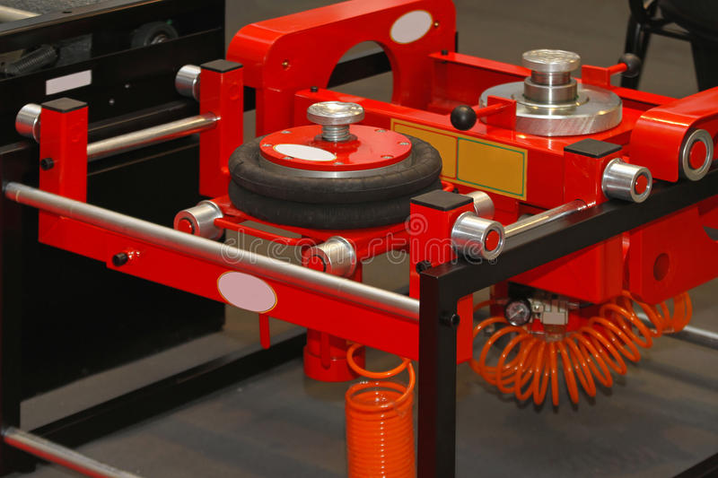 Download Air lift jack stock image. Image of hydraulic, jack, service - 34093023
