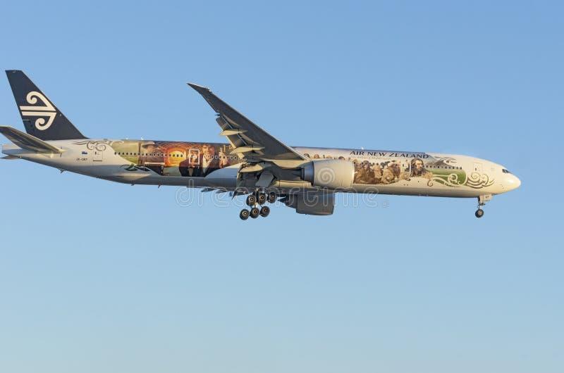 Air New Zealand Boeing 777-300 Hobbit livré arkivfoton