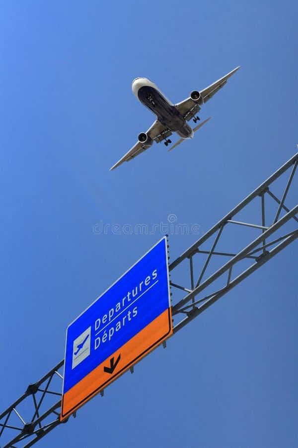 Free Air Plane Take Off Royalty Free Stock Photo - 5141065