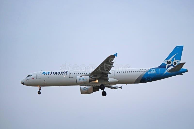 Air Transat-Luchtbus A321-200 vroeger met Aeroflot stock fotografie