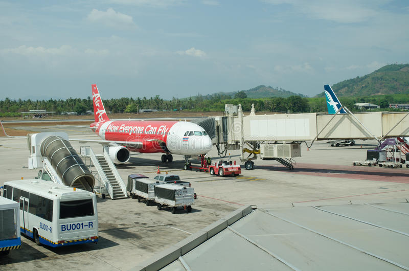 AirAsia aterrou no International Airpor de Phuket imagem de stock royalty free