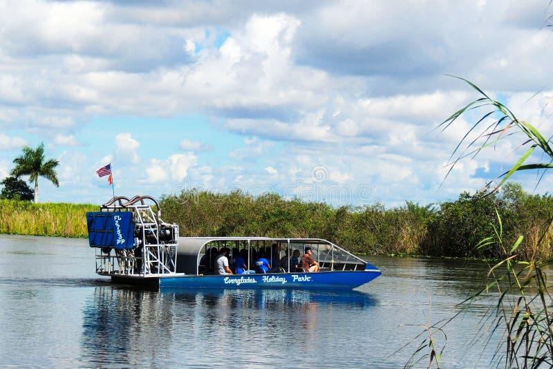 Airboat болотистых низменностей стоковые изображения rf