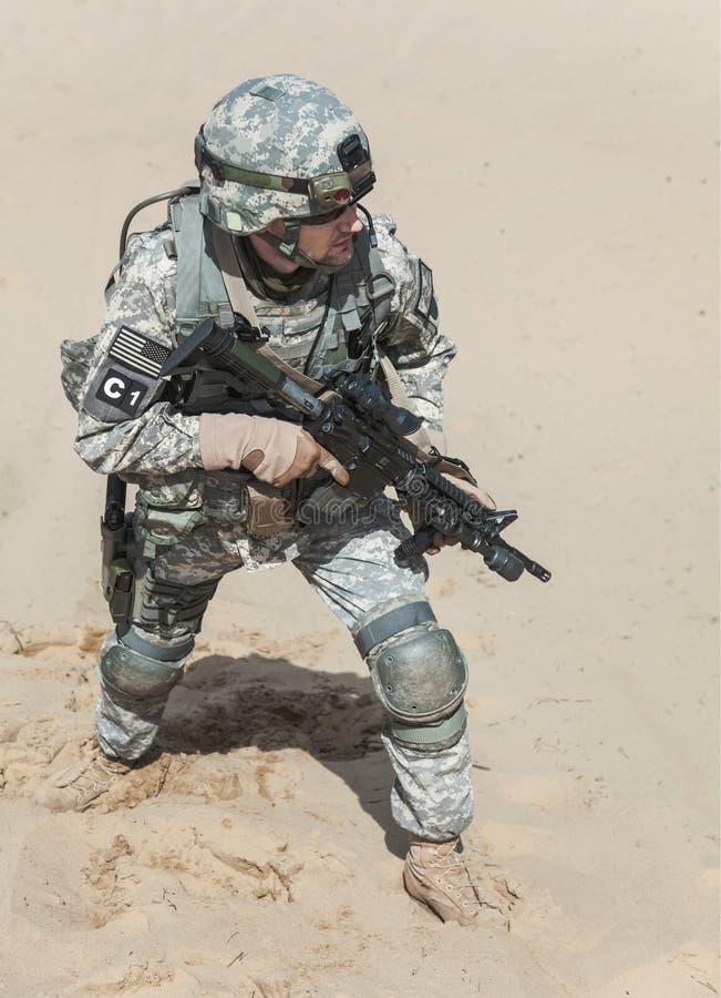Download Airborne fotografia stock. Immagine di lealtà, caldo - 55352634