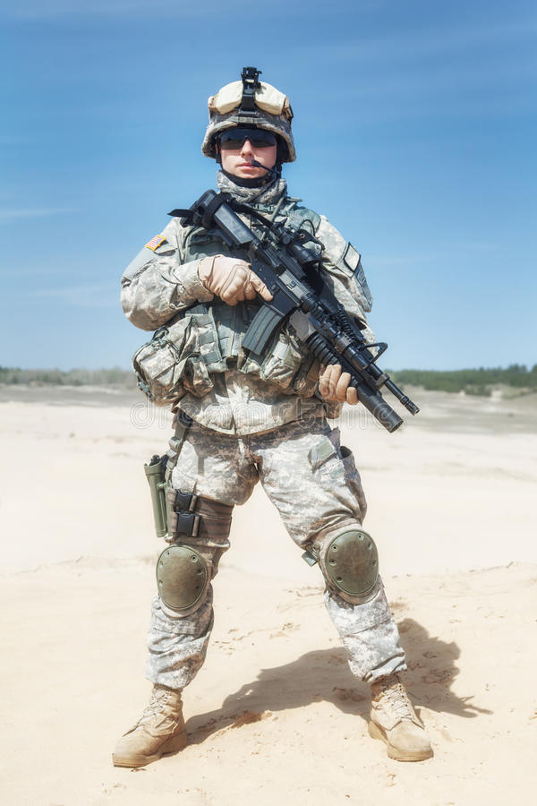 Download Airborne fotografia stock. Immagine di goggles, background - 55352716