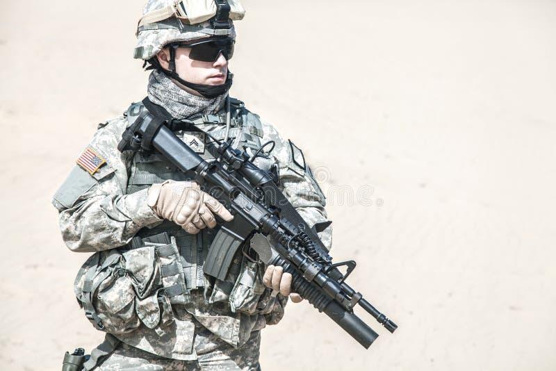 Download Airborne immagine stock. Immagine di firearms, uomo, americano - 55352747