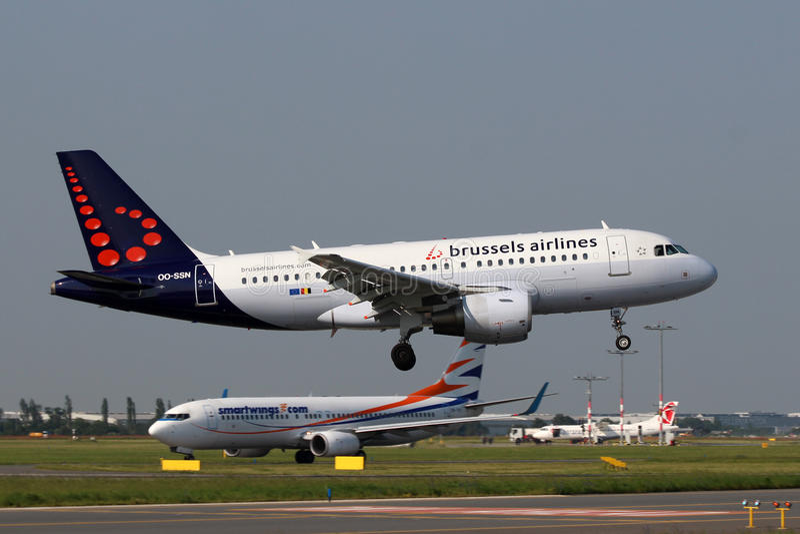 Airbus αερογραμμών των Βρυξελλών A319 στοκ φωτογραφίες
