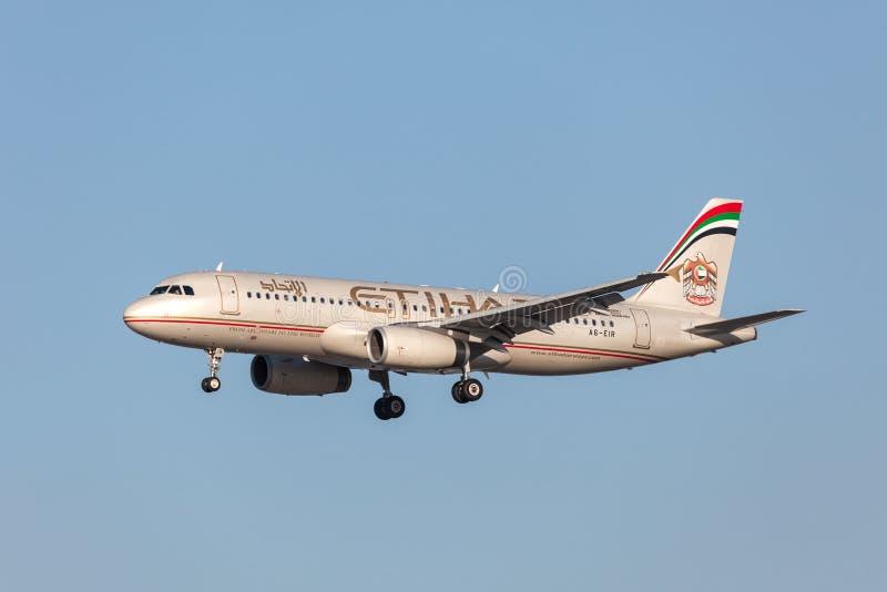 Airbus A320-232 εναέριων διαδρόμων Etihad στοκ φωτογραφίες με δικαίωμα ελεύθερης χρήσης