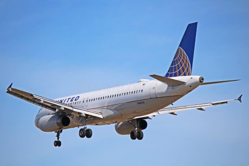 Airbus A320-200 των United Airlines οπισθοσκόπο στοκ φωτογραφία με δικαίωμα ελεύθερης χρήσης