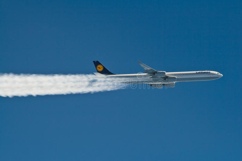 Download Airbus A340 Editorial Photo - Image: 23632831
