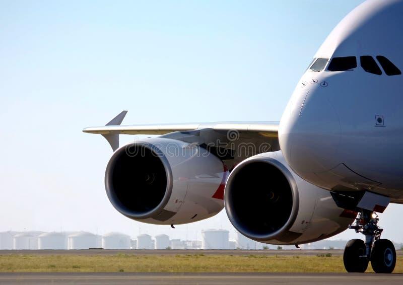 Airbus A380 na pista de decolagem fotografia de stock