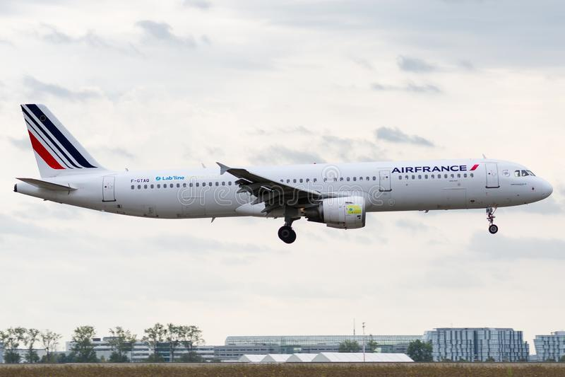 Airbus A321-211 - 3399, actuado por el aterrizaje de Air France fotos de archivo libres de regalías