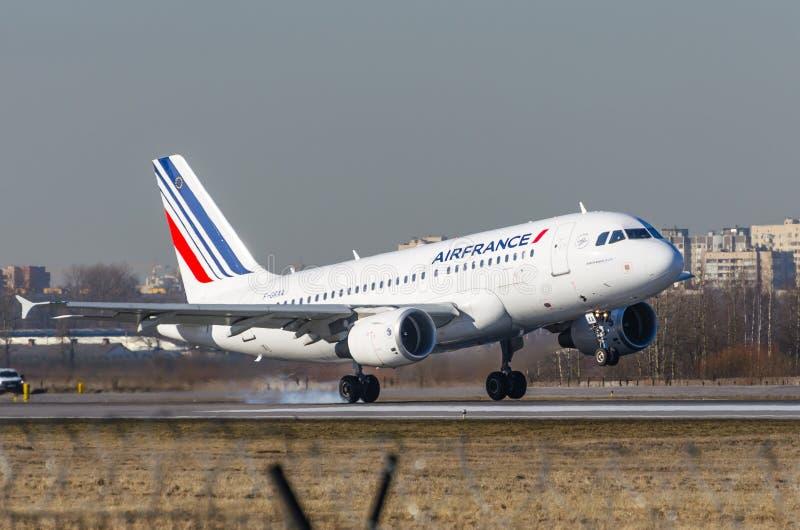 Airbus a319 Air France, aeroporto Pulkovo, Russia St Petersburg maggio 2017 fotografia stock