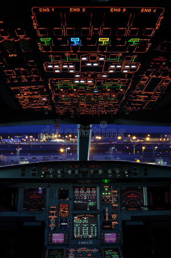 Free Airbus Cockpit Royalty Free Stock Photos - 5885568