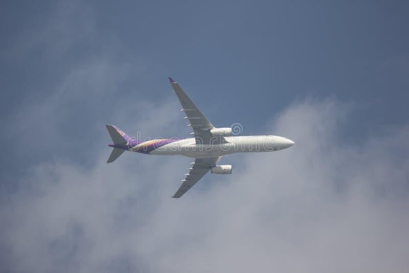 Airbus A330-300 de Thai Airways photographie stock libre de droits