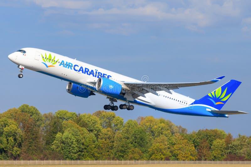 Airbus A350 do ar Caraibes imagem de stock