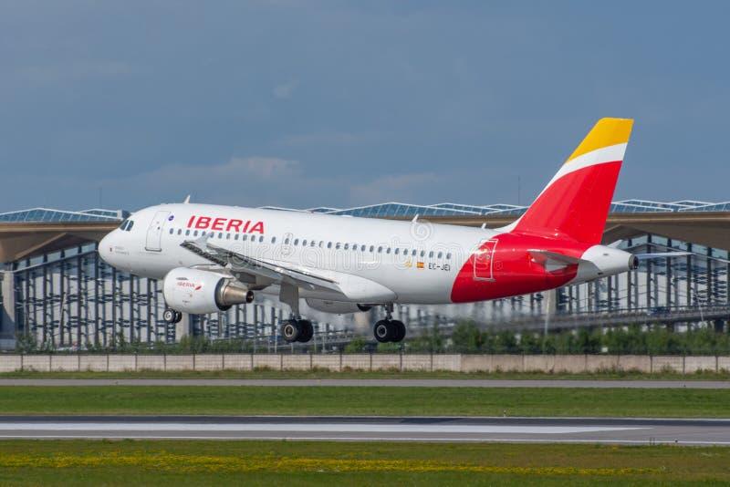 Airbus a319 Iberia Airlines, aeroporto Pulkovo, Russia San Pietroburgo. 10 agosto 2019 fotografie stock