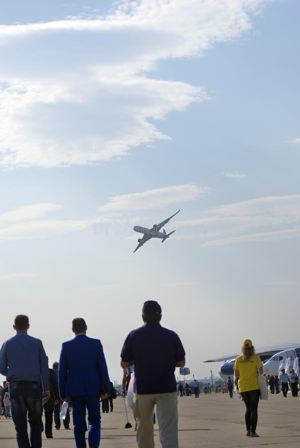 Airbus A350 an MAKS-internationalem Luftfahrtsalon lizenzfreies stockbild