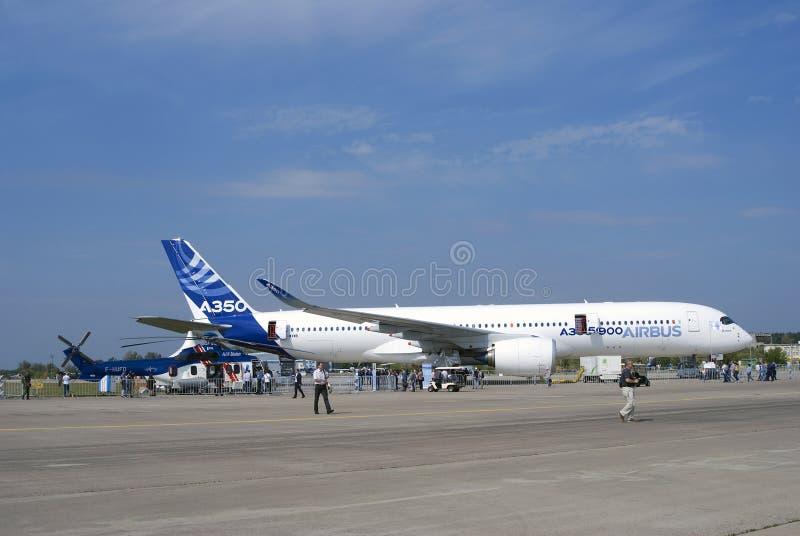 Airbus A350 an MAKS-internationalem Luftfahrtsalon stockfoto