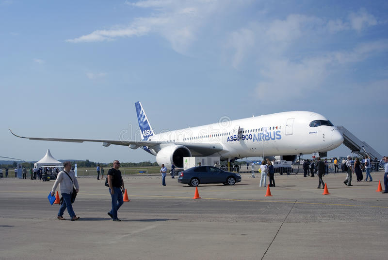Airbus A350 an MAKS-internationalem Luftfahrtsalon stockfotografie