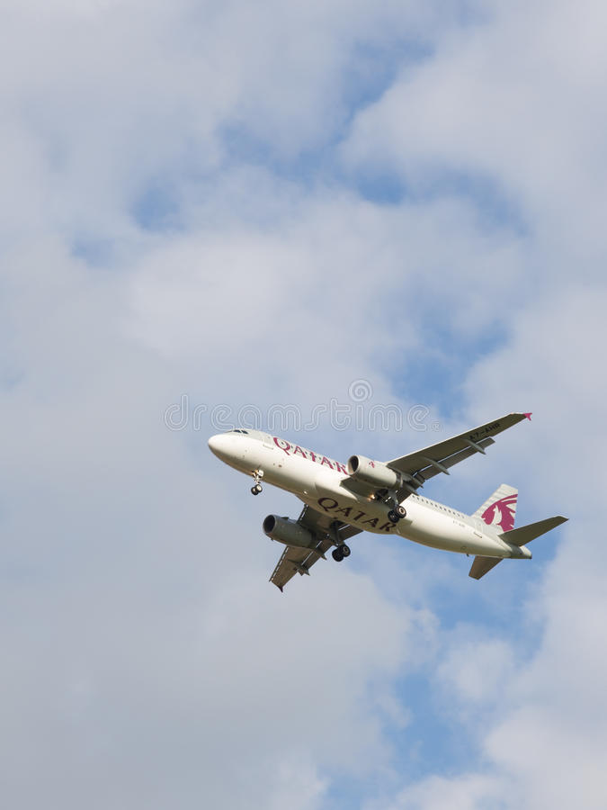 Airbus A320-232 Qatar Airways images libres de droits