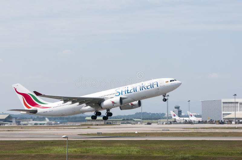 Airbus A330 Take Off royalty free stock photos