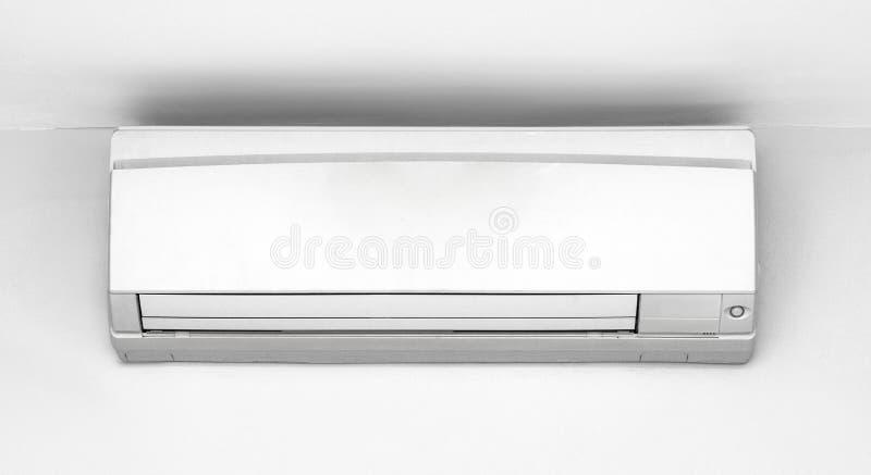 Airconditioning op de muur stock foto
