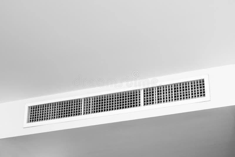 Badkamer Plafond Afsteken : Huis van het plafond great koop poppen huis miniatuur globe wit
