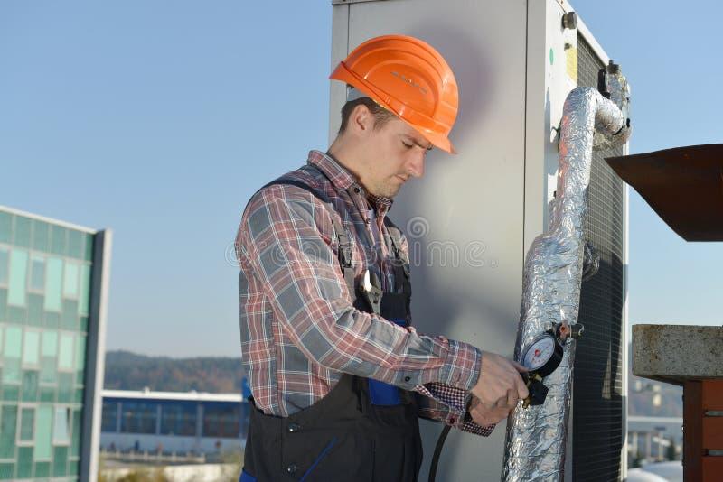 Airconditioningsreparatie stock foto's